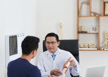 une consultation chez l'Ostéopathe
